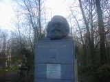 Karl Marx: [Sunday 26th November 2000] What better way to spend a Sunday afternoon than to go and find where Karl Marx is buried?